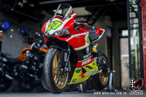 Ducati 899 hoàn hảo trong bản độ tem đấu số 27