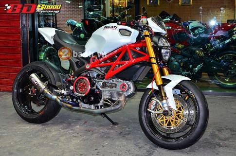 Ducati Monster 796 con ' quai vat ' gac do hieu day ham ho den an tuong