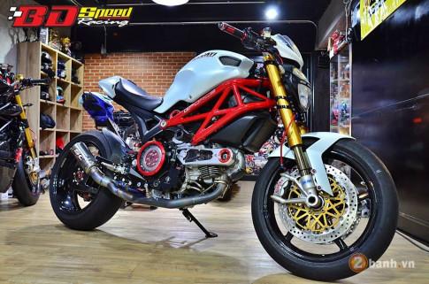 Ducati Monster 796 lot xac cuc ki ngoan muc den an tuong