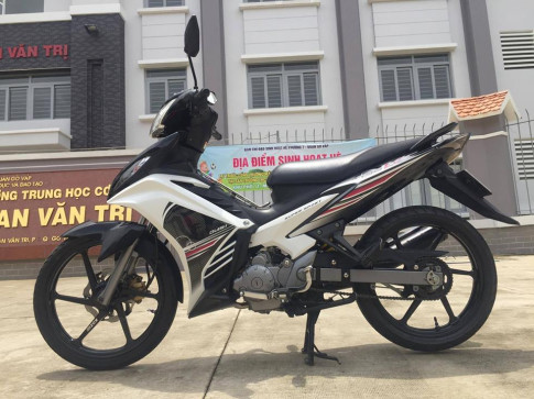 Exciter 135cc phien ban do lai theo phong cach Malaysia LC135 5s