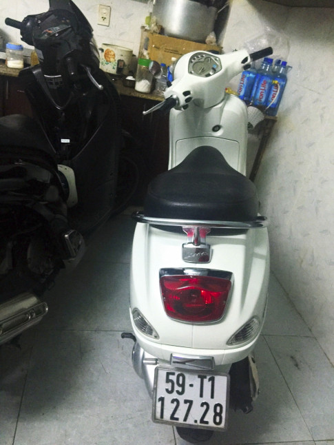 Vespa Lx125 ie 2011 Màu Trắng Tinh Khôi...zin đẹp long lanh nhé