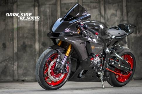 Yamaha R1 tinh te trong ban do Full Carbon mang ten Dark Side Of Speed