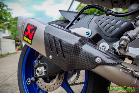 Yamaha R6 kế thửa tinh hoa từ R1 và R1M uy lực cùng nóng súng Akrapovic