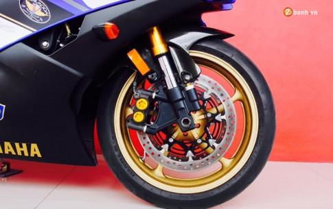 Yamaha R6 quyen ru trong ban do nhe nhang day tinh te