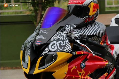 BMW S1000RR sieu pham mo to do phong thai Redbull