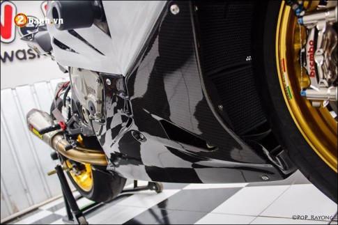 BMW S1000RR Superbike day khieu khich voi body do cuc chuan