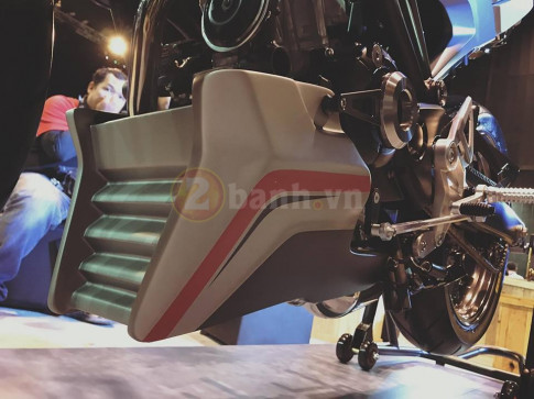 Can canh chi tiet Honda CB150R Exmotion 2017 phien ban Dua