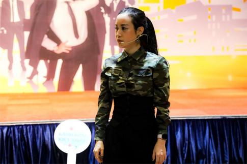 """CEO Nguyen Thi Anh nu chi huy tai ba tai trai huan luyen """" Lanh dao xuat chung"""""""
