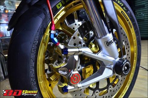 Ducati Hypermotard 821 do 'Vua duong pho' trong trang bi hang sang