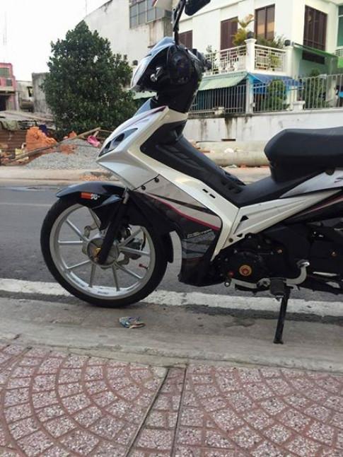 Exciter 135 do day du do choi cua mot Biker Sai Gon