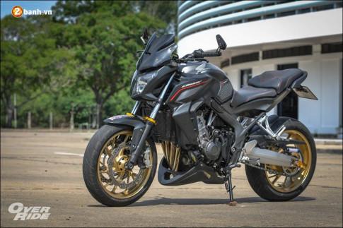 Honda CB650F 'Chien binh Nakedbike' cung cap voi ban do bui bam phong tran