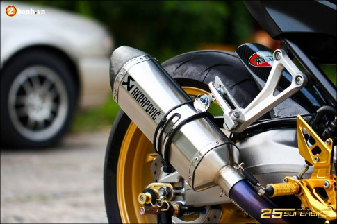 Honda CB650F do tinh te qua cong nghe do choi Titanium