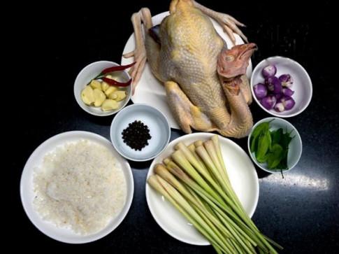 Hướng dẫn cách làm gà ủ muối hoa tiêu thơm ngon đậm đà khó cưỡng