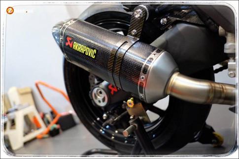 Kawasaki Z1000 do Nakedbike 'than thanh' den khong ty vet