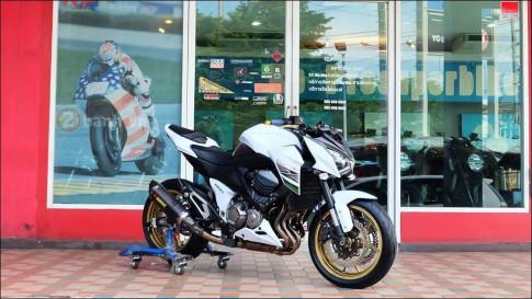 Kawasaki Z800 độ cực chất cùng tông màu trắng tinh khôi