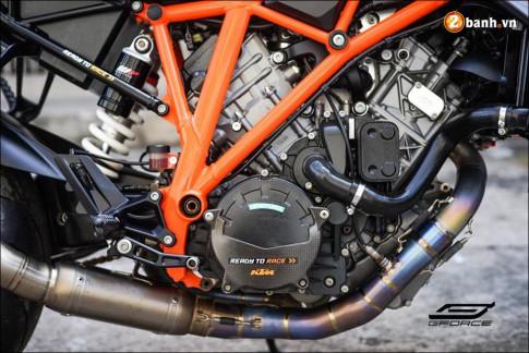 KTM 1290 Super Duke R do ke menh danh 'Quai vat' cua hang xe ao