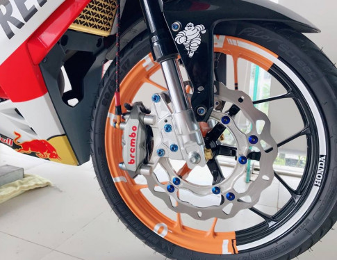 Winner 150 do tam huyet day an tuong voi bo canh Repsol