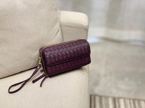 Xu hướng túi xách làm chủ thời trang thu đông 2020 - 2021 chỉ tìm thấy tại Humi