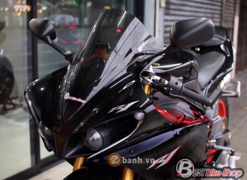 Yamaha R1 sự nâng cấp đầy kiêu hãnh và dũng mãnh