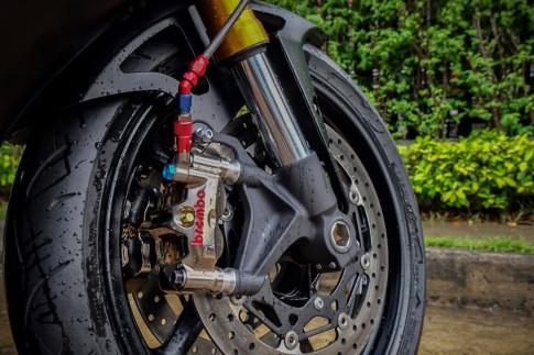 Yamaha R6 chu ngua hoang bien chat day dung manh