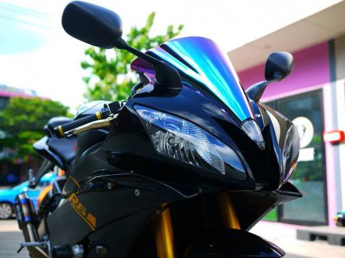 Yamaha R6 ngựa hoang khó thuần trong loạt ảnh đen không tỳ vết