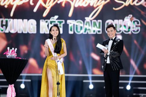 CEO Le Thi Hong Nhung cam dong khi dong hanh cung du an nguoi dep nhan ai - HHVN 2020