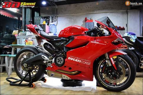 Ducati 899 Panigale dep hut hon tu dan chan sieu nhe