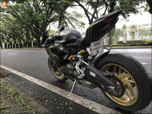Ducati 899 Panigale 'quy do' doi lot Camo Limited dep ngat nguong