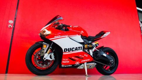 Ducati Panigale 899 bản độ chuẩn mực theo hình tượng 1299 Superleggera