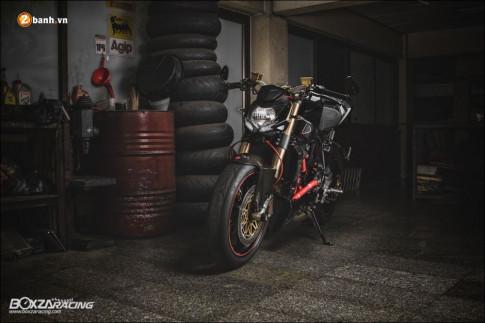 Ducati Streetfighter 'Hien than' cua mot nakedbike thuc thu trong tang ham u toi