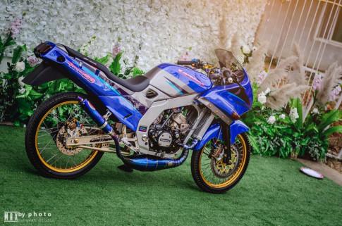 Kawasaki Serpico 150SS voi ban do day quyen ru cung voi nhieu do choi khung