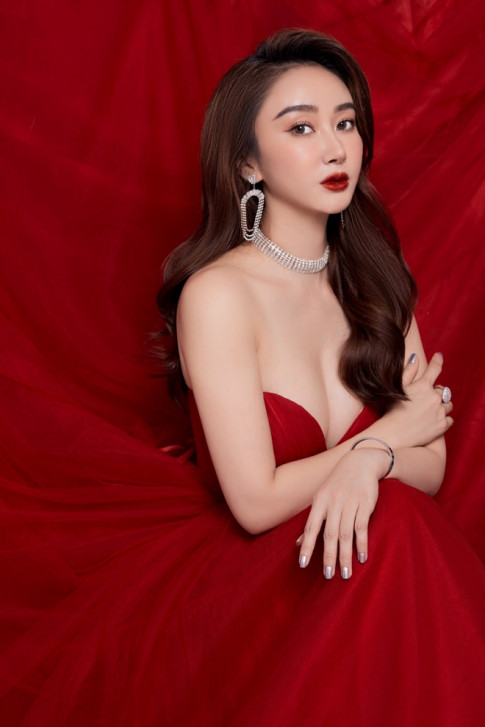 Ms Queen Beauty - Jeon Jade kin dao, ngot ngao don Noel trong bo anh moi