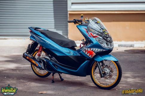 PCX 150 độ phong cách cá mập lên bờ của biker xứ chùa vàng