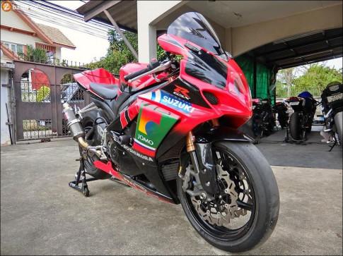 Suzuki GSX-R1000 'quy du' mat chot dam chat choi tu Biker Thai
