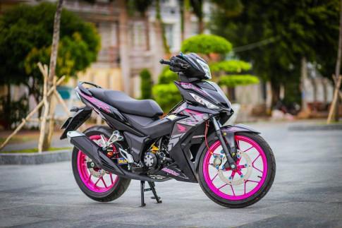 Winner 150 do hong canh sen day dep trai cua Biker Sai Gon