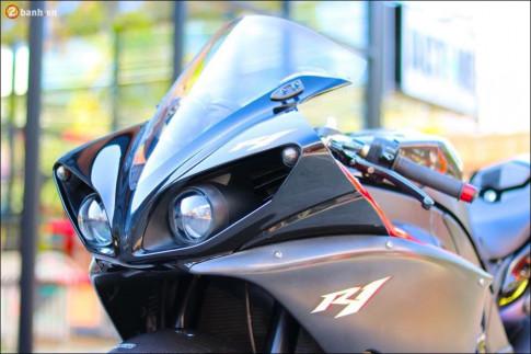 Yamaha R1 độ nhẹ nhàng đầy sức thuyết phục