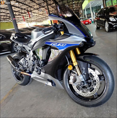Yamaha R1M ban do day khieu khich tu dan chan sieu nhe Rotobox
