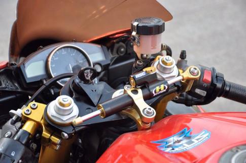 Yamaha R6 ve dep nguyen thuy tu huyen thoai 'Ngua hoang bat kha chien bai'