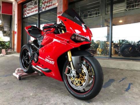 Ducati Panigale 1299S bản độ căng đét với dàn option hàng hiệu