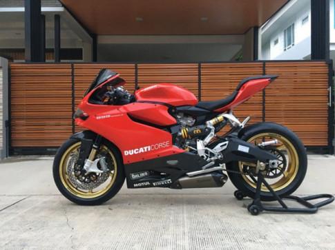 Ducati Panigale 899 ve dep hao nhoang voi dan chan O.Z Racing
