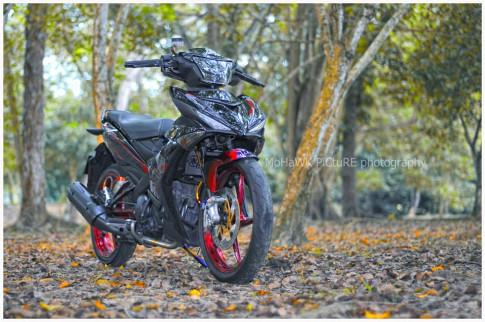 Exciter 150 trong ban do day man nhan cua biker Malaysia