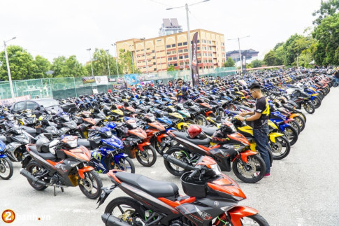 Hon 5000 biker tham gia ngay hoi Mega Gathering Y15ZR Malaysia tai MITC Melaka