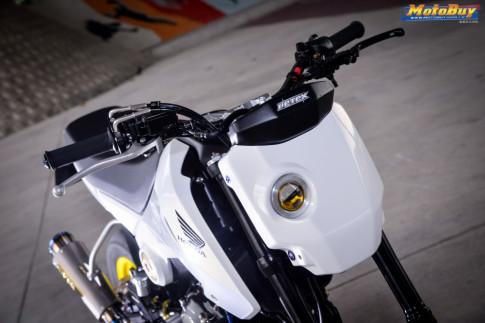 MSX 125 do - tieu quy Honda len gan cot ac chien cua biker xu Dai