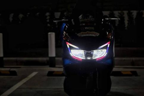 PCX 150 độ mang ánh mắt ' hung tợn ' dưới màn đêm của biker nước bạn