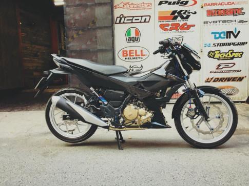 Raider R150Fi độ đơn giản với nhiều món đồ chơi Ý