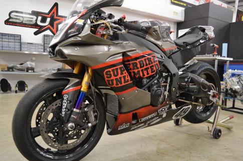 Soi dàn option đường đua của Sportbike Yamaha R1