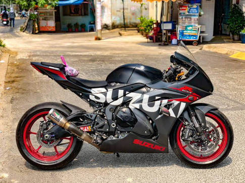 Suzuki GSX-R1000 ban nang cap phu kien nhe nhang day tinh te tu Biker Viet