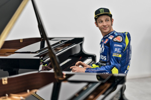 Valentino Rossi ky hop dong voi Yamaha Movistar Racing den 2020