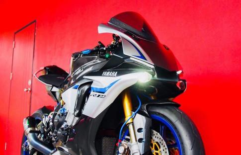 Yamaha R1M nâng cấp hoàn thiện với phụ kiện Carbon fiber