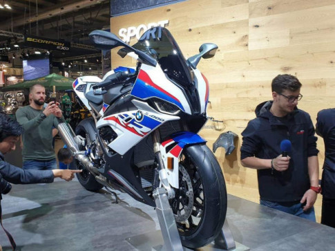 Can canh BMW S1000RR 2019 thay doi hoan toan ca ve thiet ke lan dong co